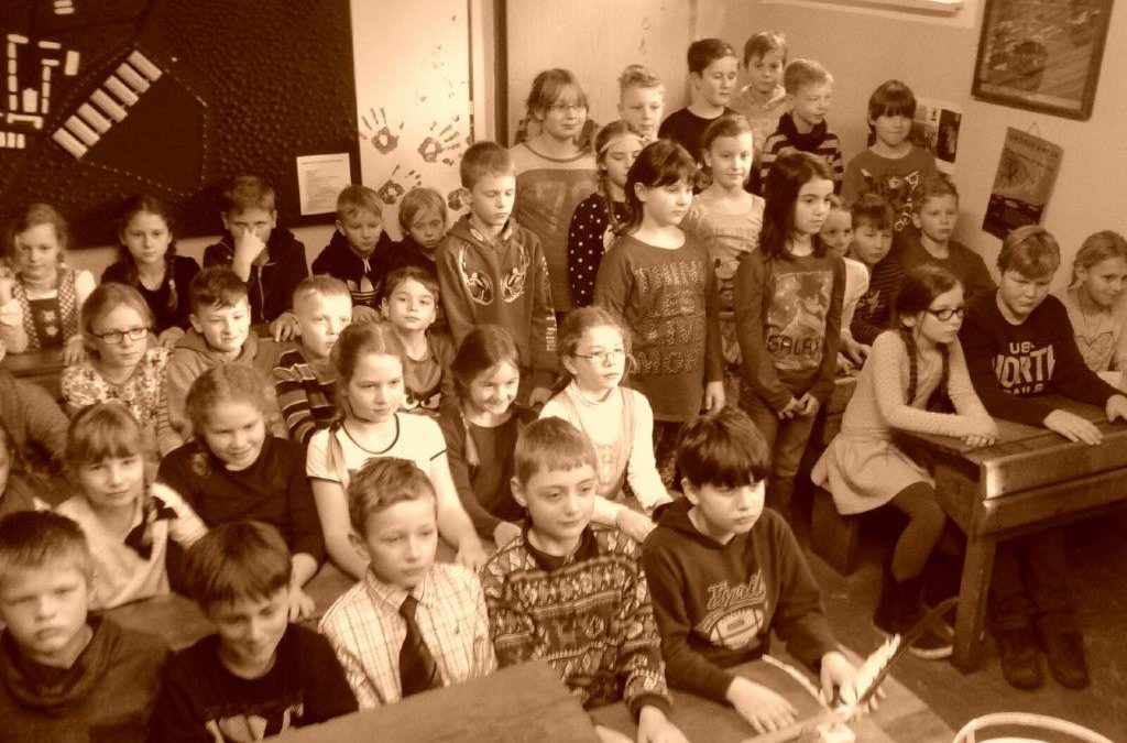 """Projekt """"Schule Früher"""" Klasse 3 / 4"""
