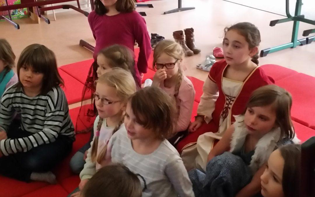 Unsere Weihnachstsferien: Hensel und Gretel lernen die Minions kennen